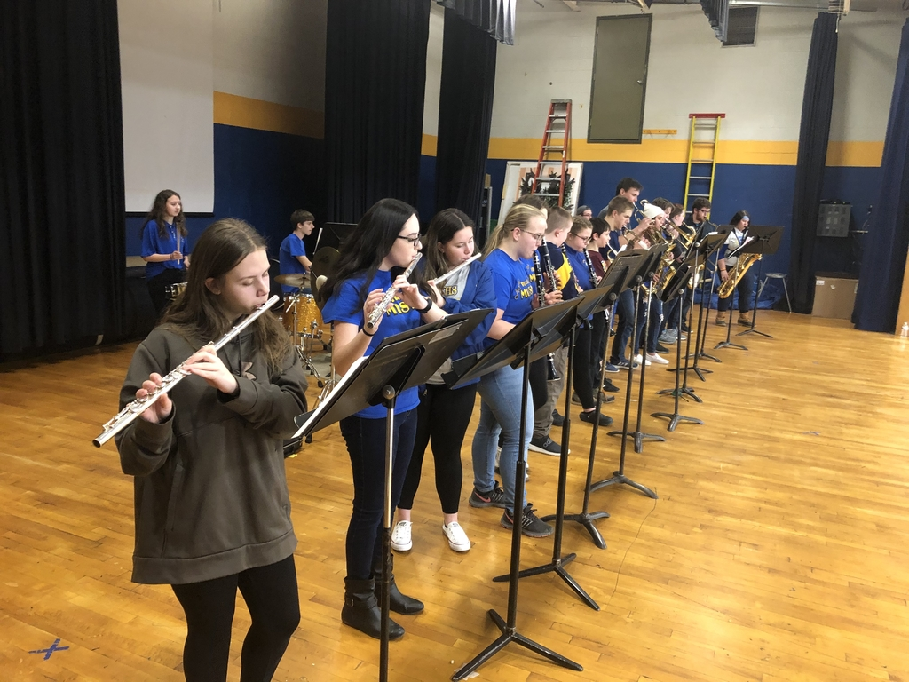 Middle school, alumni and the OCHS pep band.